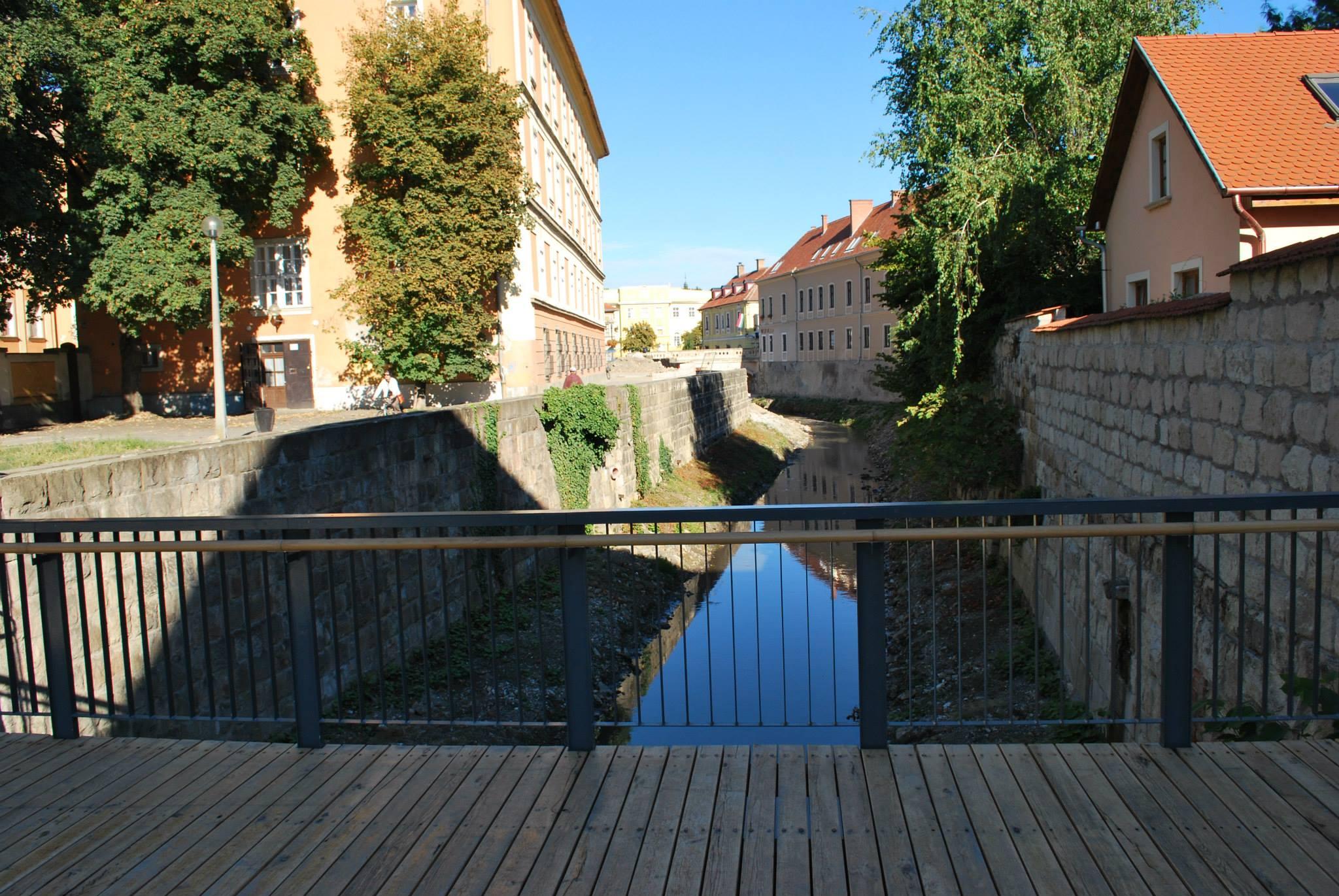 Ez a látószög is újdonság, de híddal egy egész utca kapcsolódott szorosabban a városhoz